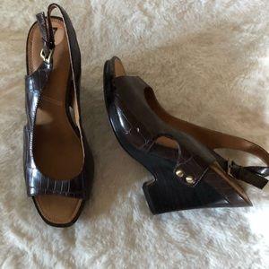 Tahari Native Shoes Sz 7